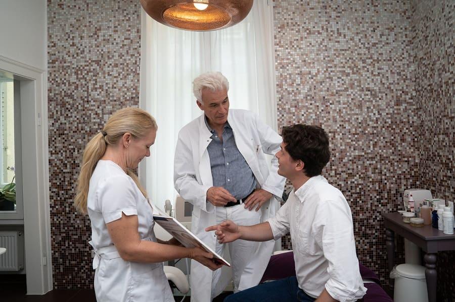 Wann sind die ersten Ergebnisse nach einer Haartransplantation sichtbar?