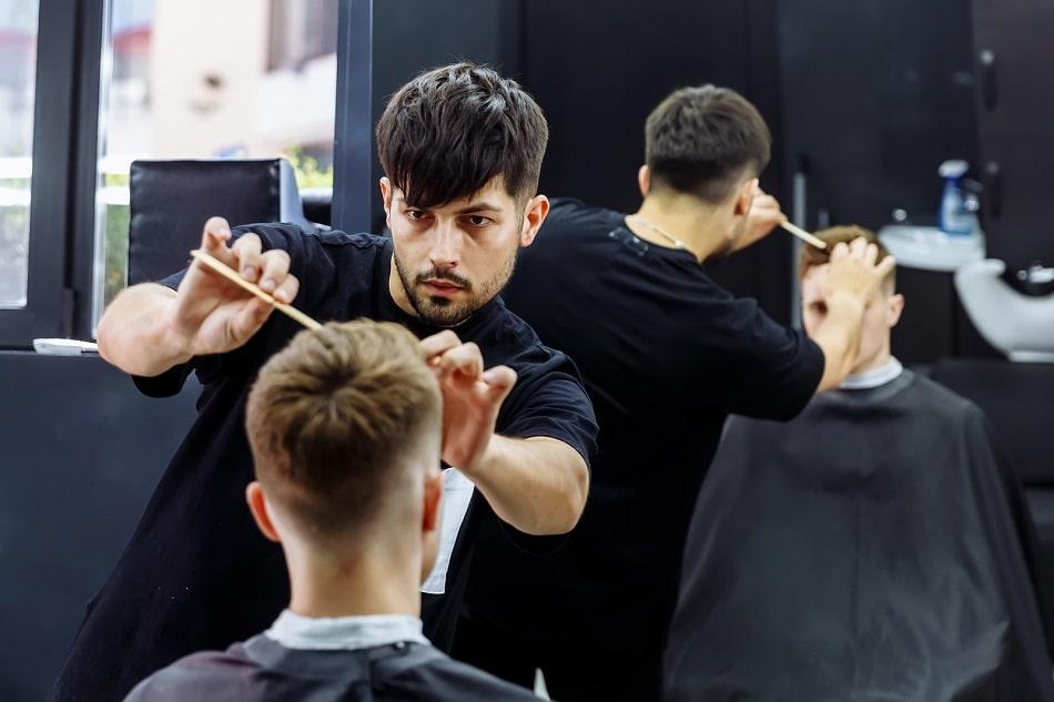 Nach der Haartransplantation – Haare schneiden, aber wann?