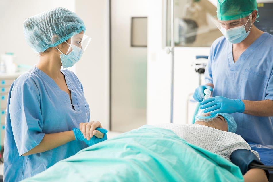 Haartransplantation unter Vollnarkose? Warum keine Notwendigkeit besteht