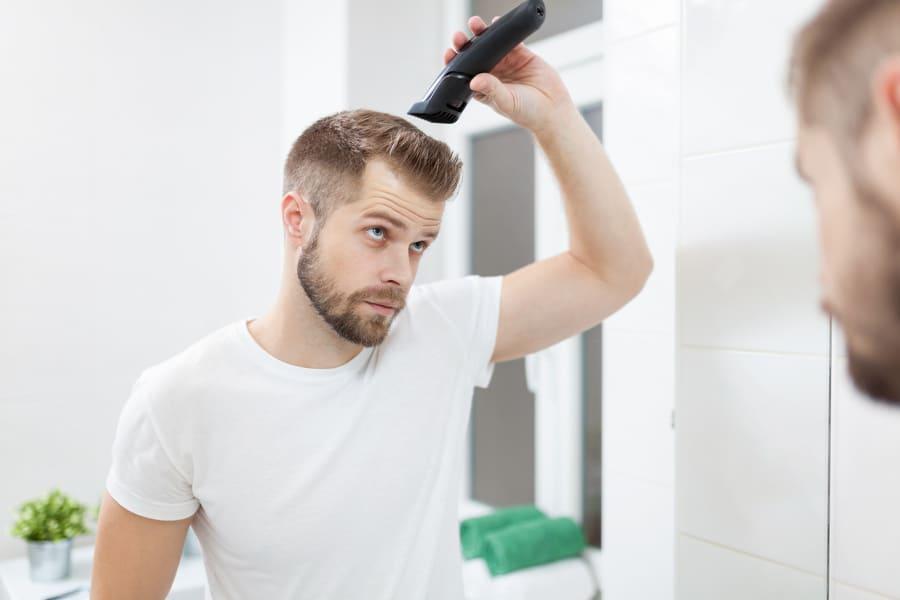 Haartransplantation ohne Rasur – ist das möglich?